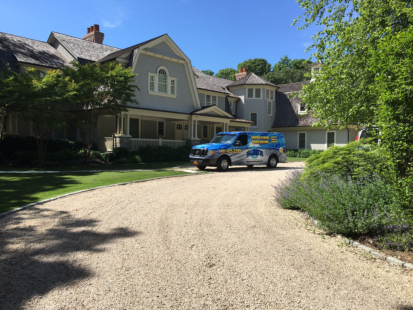 Windows cleaning in Dix Hills, Brookville, Muttontown and Huntington