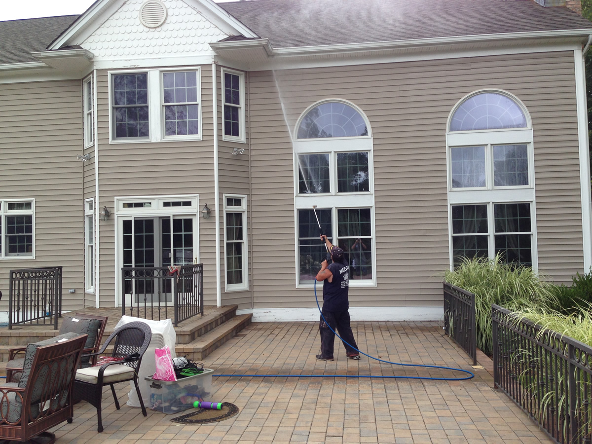 Residential House Washing In Huntington