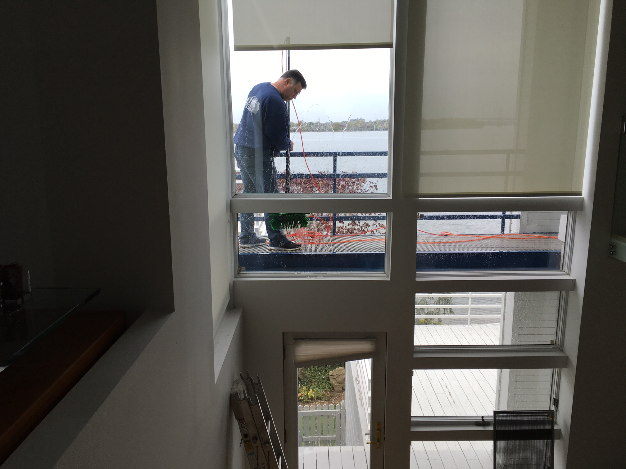 The Importance of Choosing Window Cleaners with Experience