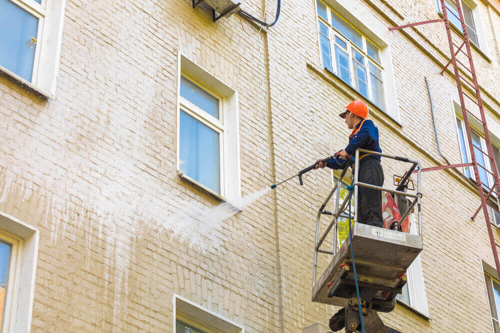 Signs You Need Exterior Cleaning Professionals